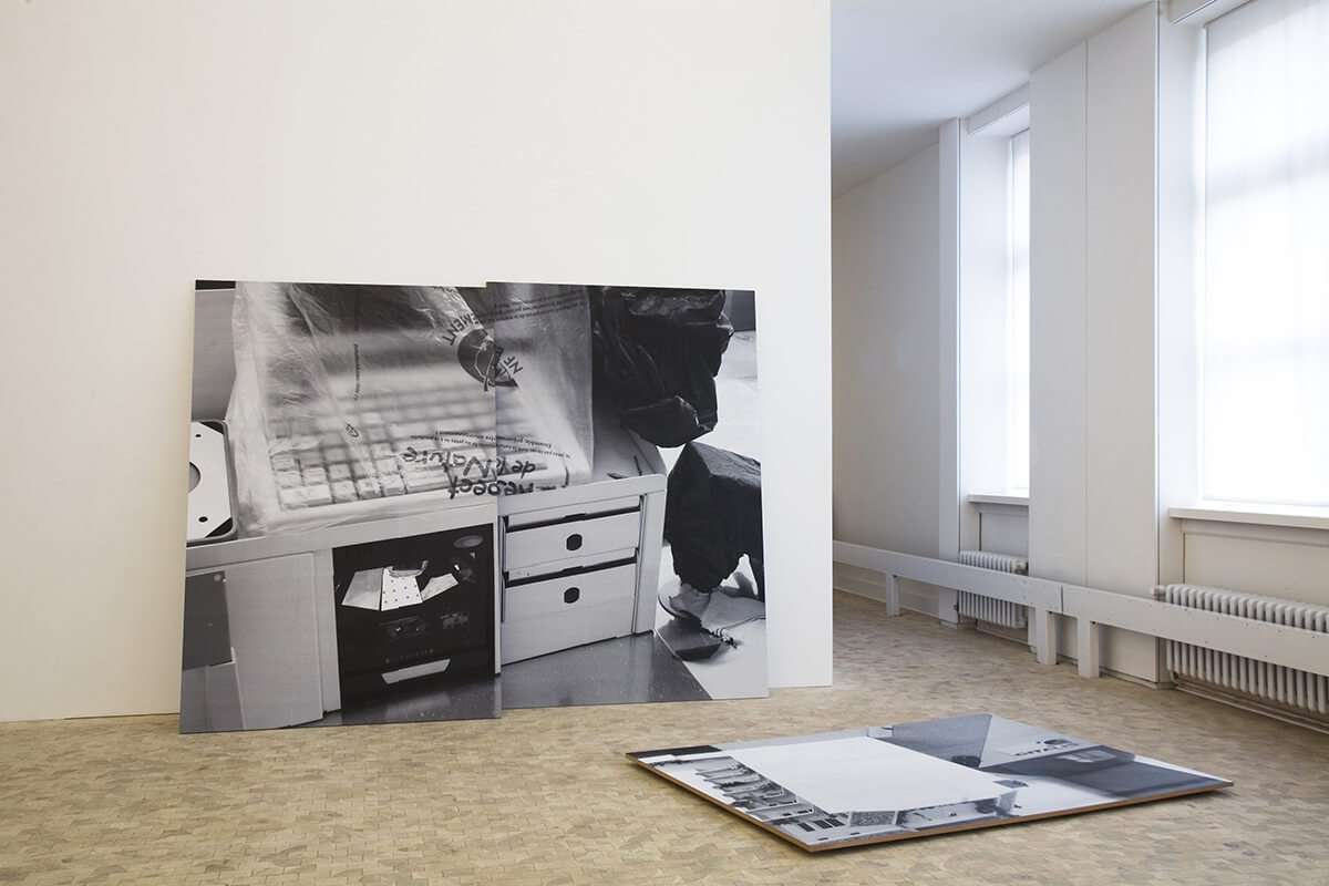 Close The Gap, Stadtgalerie Kiel 2008<br /> Xerox prints on MDF, 210 x 280 cm, 150 x 210 cm