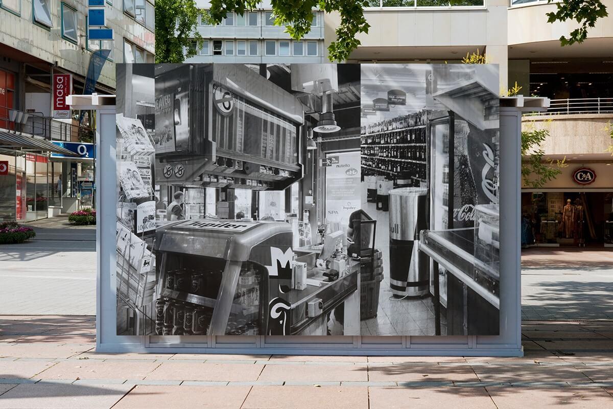 Lange Nacht der Kultur, billboard, Rathausplatz Pforzheim, 2015<br /> inkjet prints on blueback paper, 250 x 356 cm<br />