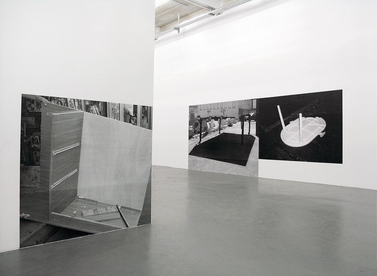 Cornerville, Galerie b2_, Leipzig 2007<br /> Xerox prints, wallpapered, 130 x130 cm, 210 x 280 cm, 164 x 220 cm