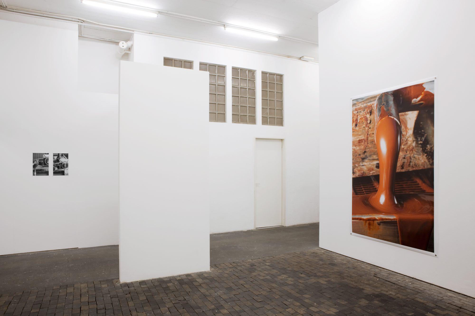 Fétichismarchandise, Centre de la photographie Genève, 2015<br /> archival pigment prints on matte paper, 36 x 24 cm / archival pigment print on glossy paper, 223 x 152 cm