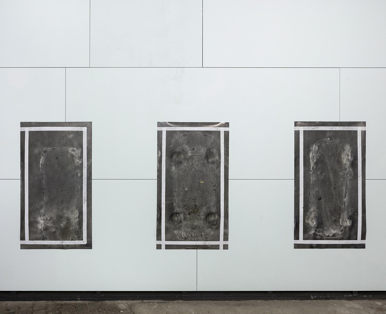 Close in open, Parking # 4-6, pigment prints, 140 x 80 cm, 2019<br /> foto: Michiel De Cleene